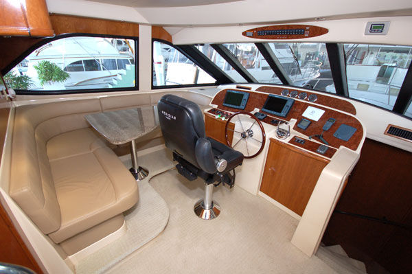 The Meridian 580 has the looks a real YACHT with the fit & finish that one ...