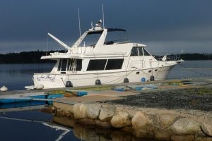 47′ Bayliner Pilothouse-1998 —– gutted and upgraded!   SOLD 3/19