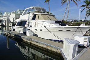 Bayliner 4788 2002- spectacular equipment and condition.   $219k